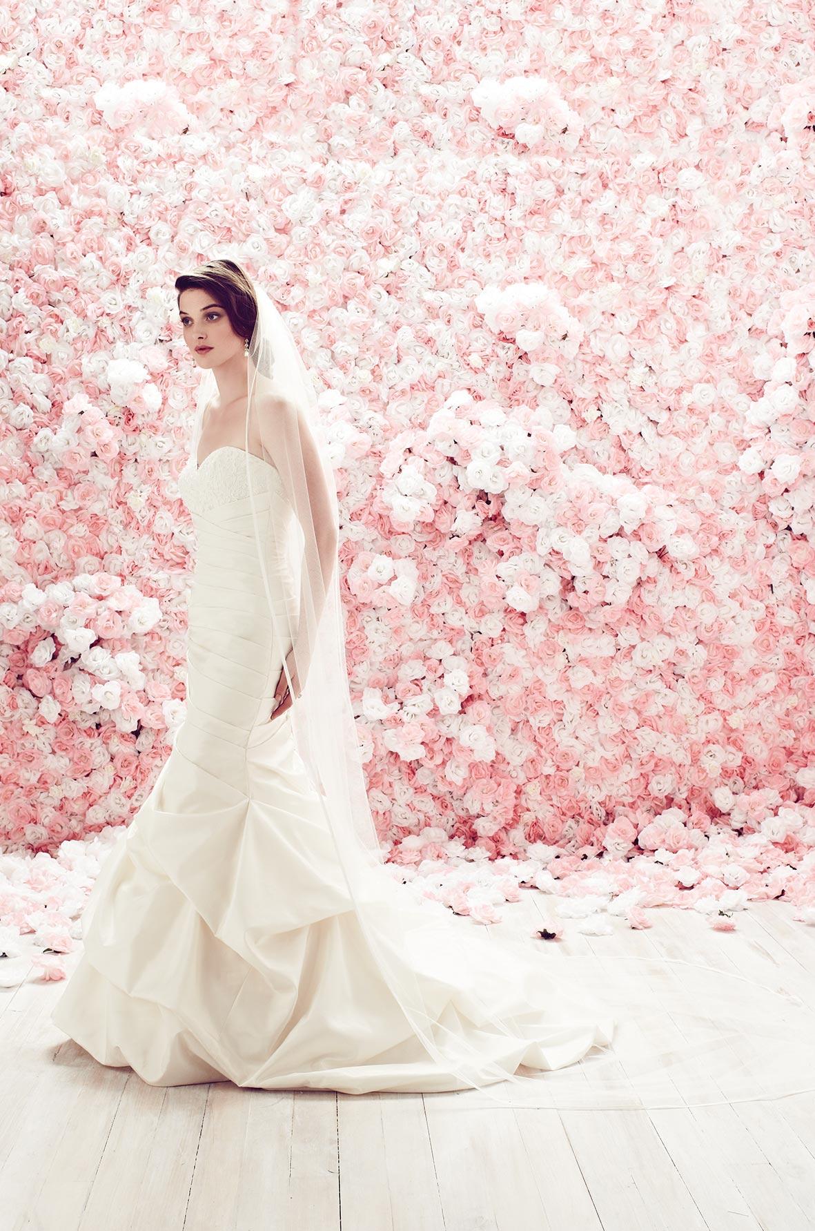 Lace Scallop Veil - Style #VM454F | Mikaella Bridal