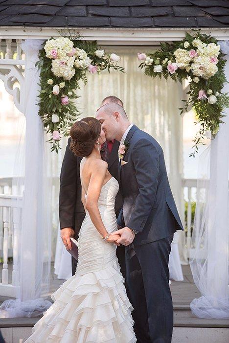 real bride wedding in Mikaella