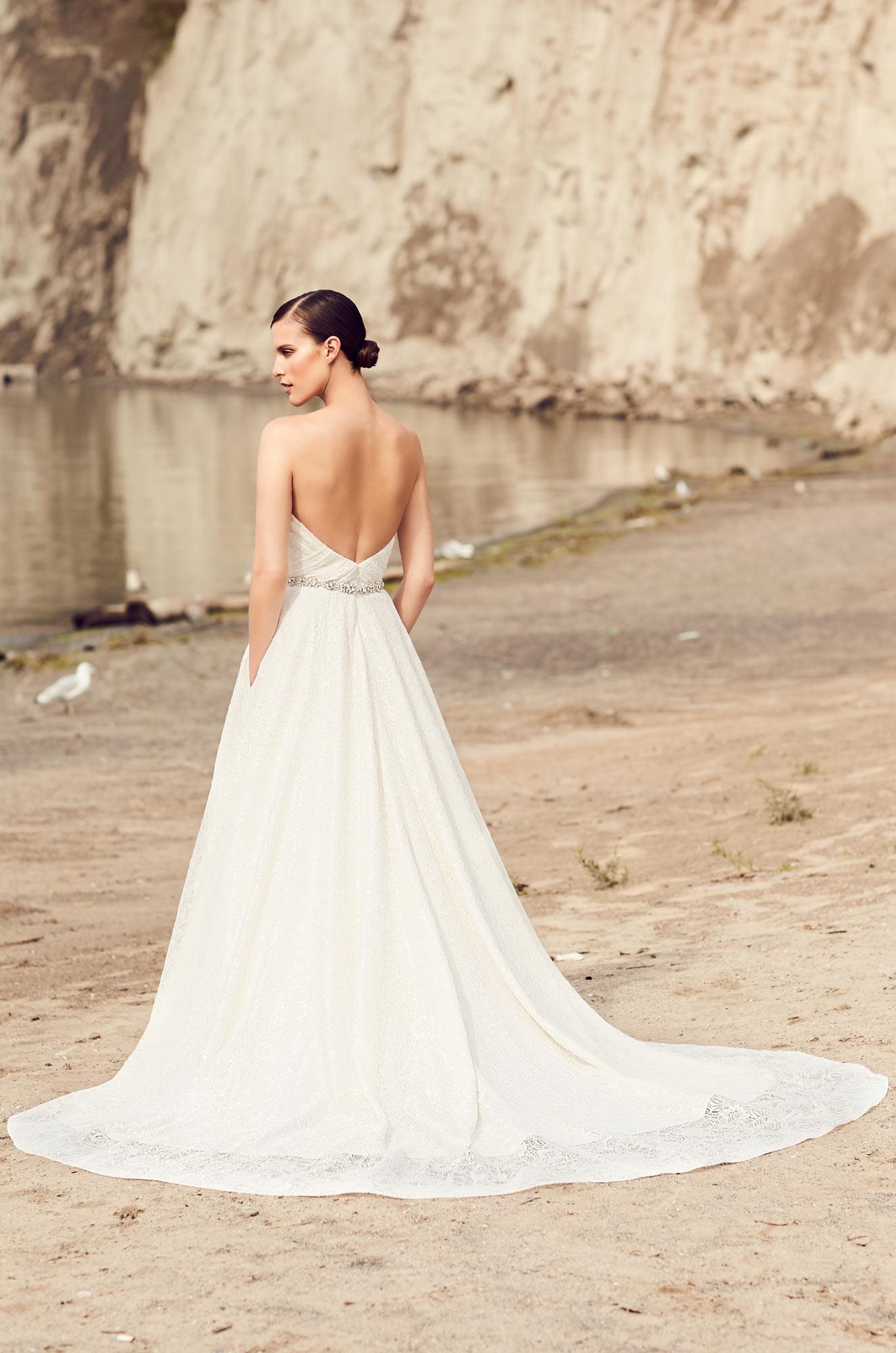 Elegant Full Lace Wedding Dress