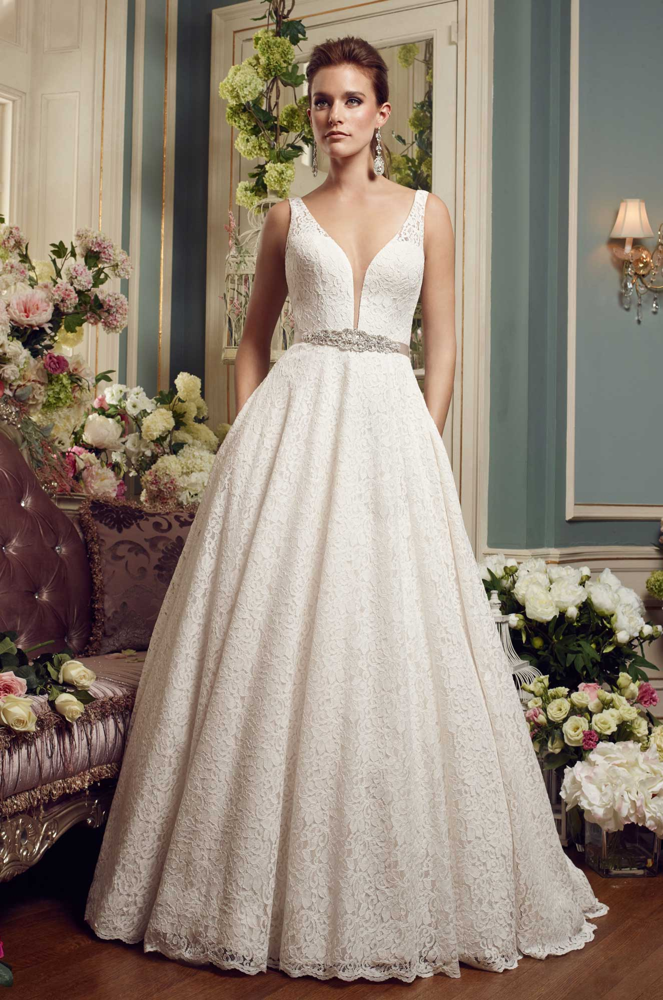 Lace ball gown wedding dress style 2167 mikaella bridal for Lace wedding dress ball gown